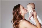 6 đối tượng mẹ tuyệt đối không nên cho hôn con mình