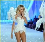 Bí quyết giúp có đôi chân thon gọn như thiên thần Victoria's Secret