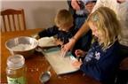 Cách dạy con gây tranh cãi của vợ chồng Australia