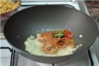 Cách làm bánh gối cà ri gà thơm lừng nức mũi