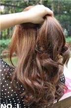 Cách tạo kiểu tóc xoăn nhẹ
