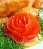 Cách tỉa cà chua để trang trí món ăn dịp Tết cực đẹp mắt