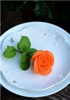Cách tỉa hoa hồng từ cà rốt tuyệt đẹp trang trí món ăn