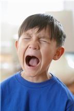 Cách ứng xử khi trẻ la hét không nghe lời