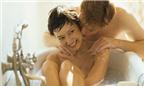"""Cách """"yêu"""" trong phòng tắm"""