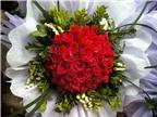 Cắm hoa lãng mạn với bó hoa hồng trái tim