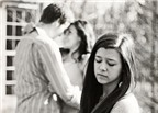 Làm gì khi bạn thân hẹn hò với người yêu cũ của bạn?