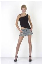 Làm sao để chọn váy jean theo vóc dáng