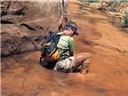 Làm sao để đối phó với hiện tượng cát lún khi đi du lịch?