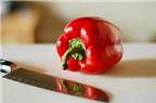Mẹo cắt ớt chuông cực nhanh cực đơn giản