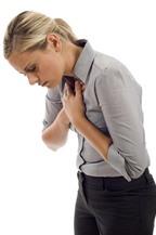 Ngực bị đau ở vị trí xương ức có phải là bệnh?