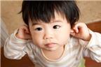 Phương pháp làm giảm cơn đau tai cho bé