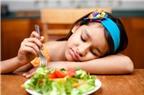 Trẻ bị suy dinh dưỡng, cha mẹ nên chăm sóc thế nào?