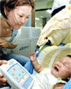 Giúp bé nín khóc nhanh chóng