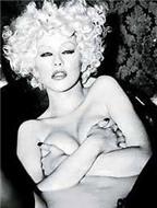 Aguilera và kiểu yêu kỳ quặc