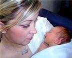 8 trục trặc sức khỏe thường gặp sau sinh