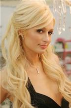 Paris Hilton bật mí bí quyết nổi tiếng