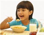 Phương pháp giúp bé sớm tự ăn