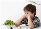 Ăn rau quả không đúng cách, trẻ vẫn bị táo bón