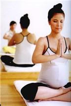 Giúp bà bầu giảm stress cùng yoga