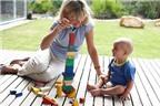Học cách chơi với con theo từng độ tuổi