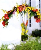 4 cách cắm hoa đón Tết