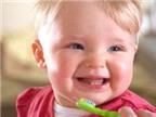 Chăm sóc răng miệng theo tháng tuổi