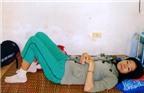 Đau lòng chồng chăm vợ bạo bệnh