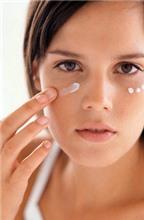 Cách chọn kem dưỡng mắt