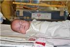 Bé sơ sinh 0,4 kg sống sót kỳ diệu