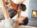 Chơi với bố là 'món quà' tốt nhất cho trẻ