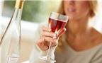 Rượu vang có thể bảo vệ da khỏi tác hại ánh nắng