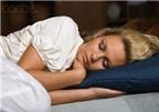 Mắc bệnh tim tránh nằm ngủ nghiêng sang trái