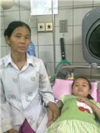 Một cháu bé mắc bệnh máu trắng cần giúp đỡ