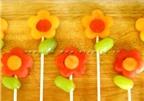 Mách bạn cách bày dưa hấu thành những bông hoa xinh xắn!