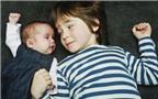 Thụ thai cùng lúc, ra đời cách nhau 5 năm