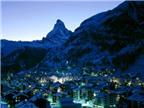 Thị trấn tuyệt đẹp trên đỉnh núi