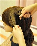 Tết kiểu 'thác nước' cho mái tóc dài