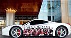 Cuồng Barca, in hình Barca lên siêu xe Ferrari