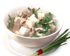 Canh hẹ nấu đậu thịt món ăn không thể thiếu trong bữa cơm ngày hè