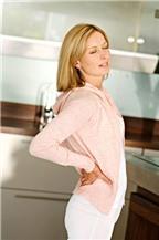 Đau lưng có thể do bệnh phụ khoa