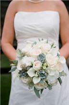 Hoa cưới kết từ sen đá cứng cáp và độc đáo