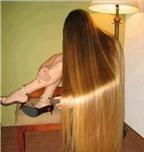 Kinh ngạc 'ma tóc vàng' chân đi giày cao gót