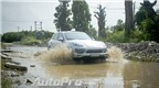 Lội bùn với mẫu SUV hạng sang Porsche Cayenne