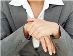 Tê tay là dấu hiệu bệnh gì?
