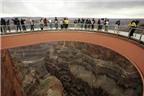 Độc đáo cầu kính lơ lửng Skywalk