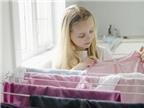 Mặc quần áo phơi trong nhà có hại sức khỏe