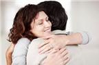 Lợi ích tuyệt vời của cái ôm đối với sức khỏe