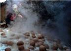 Đặc sản trứng luộc bằng.... nước tiểu