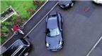 Khổ sở đưa Porsche 911 vào chỗ để xe
